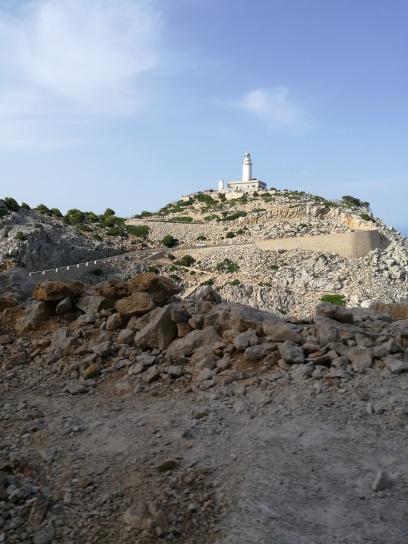 Camino hacia Faro de Formentor